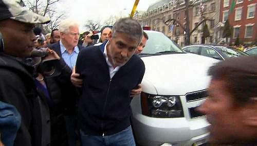 George Clooney detenido.