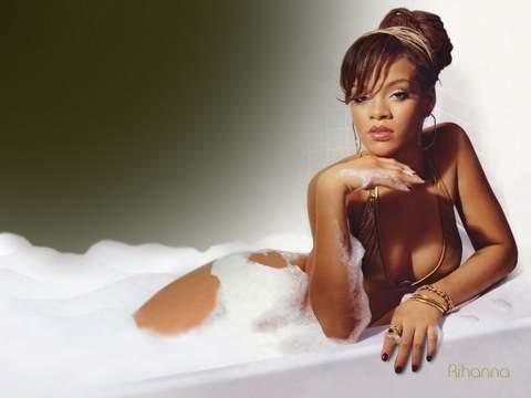 Rihanna desnuda.