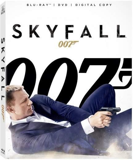 Carátula Blu-ray Skyfall