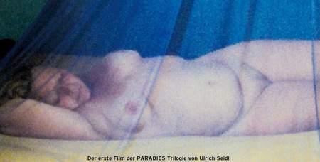 """Póster de """"Paraíso: Amor""""."""