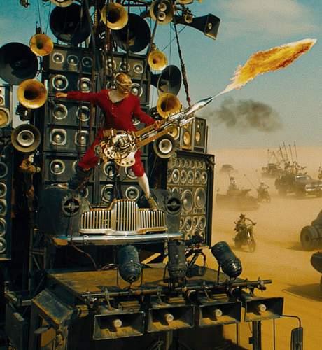 Imagen del Guitarrista lanzallamas de Mad Max: Furia en la carretera, Cineralia