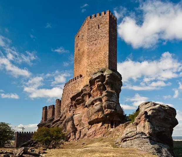 Castillo de Zafra escenario de Juego de tronos