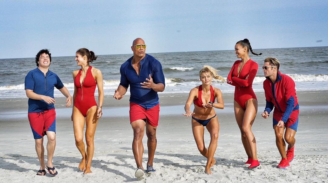 crítica de Baywatch: Los Vigilantes de la playa