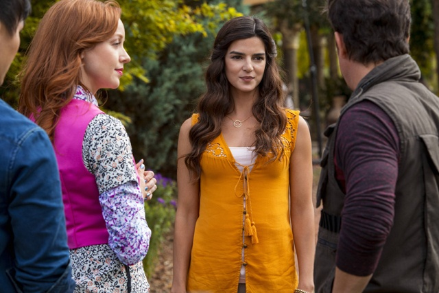 Clara Lago en la serie The librarians